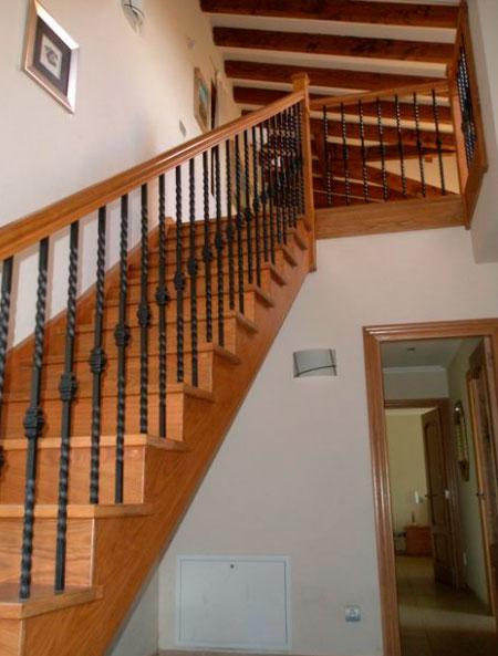 Escaleras en forja y madera escaleras martinez lastra for Escaleras forja