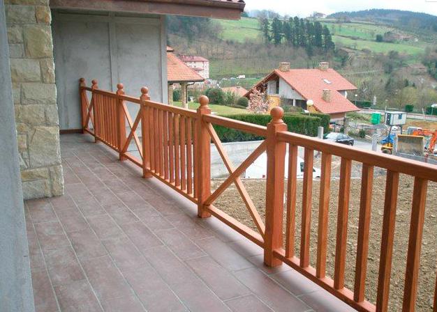 Barandillas de exterior escaleras martinez lastra - Barandilla de madera exterior ...