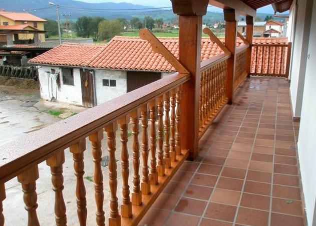 Barandilla de madera exterior barandillas para escaleras - Barandillas de exterior ...
