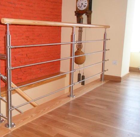 Barandillas de interior escaleras martinez lastra - Barandilla de madera exterior ...
